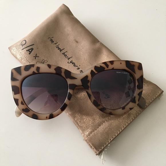 ab8abfc9023 QuayXShay jinx sunglasses in white NWT Quay australia Shay